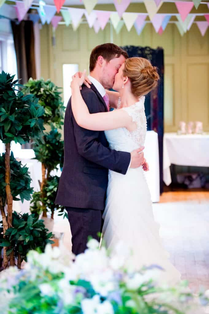 Vale-of-Belvoir-wedding-photographer0025
