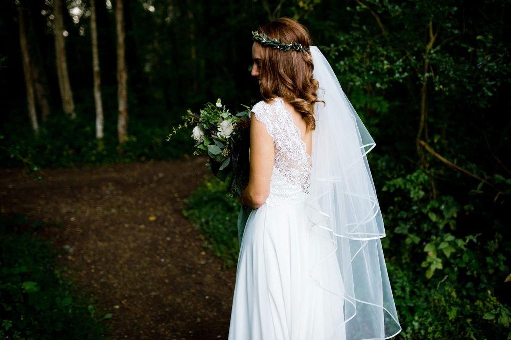 Relaxed woodland wedding