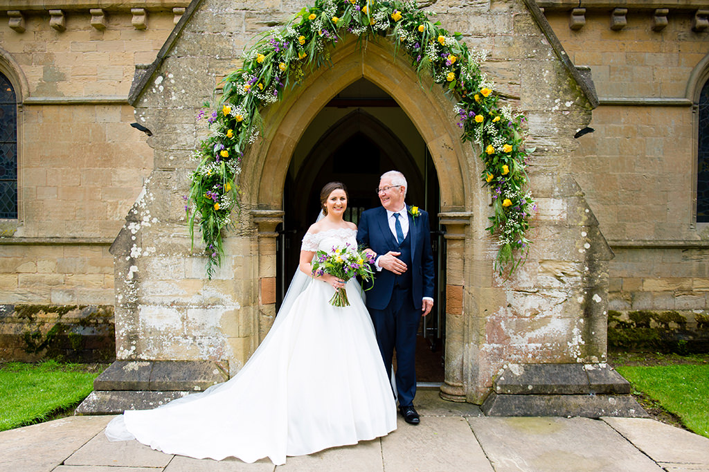 Nottinghamshire church wedding photographer